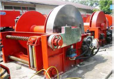 35 tons winches